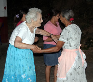 dancing in Carasque